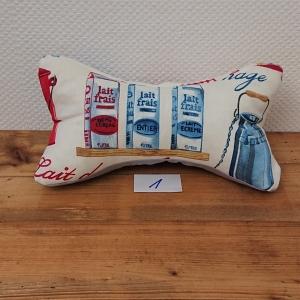 Genähter Leseknochen mit Milch Motiv, Lesekissen , Nackenkissen , Nackenrolle , Handmade by la piccola Antonella - Handarbeit kaufen