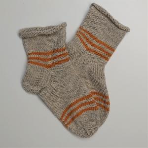 Gestrickte dicke Socken in beige gelb, Gr. 40/41  aus 8 fädiger Sockenwolle, Wollsocken, Kuschelsocken, handgestrickt von la piccola Antonella  - Handarbeit kaufen