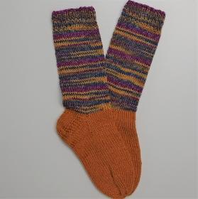 Gestrickte dicke Socken, Gr. 40/41  aus 8 fädiger Sockenwolle, Wollsocken, Kuschelsocken, handgestrickt von la piccola Antonella   - Handarbeit kaufen