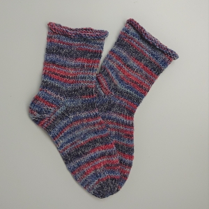 Gestrickte dicke Socken, Gr. 36/37 aus 8 fädiger Sockenwolle, Wollsocken, Kuschelsocken, handgestrickt von la piccola Antonella  - Handarbeit kaufen