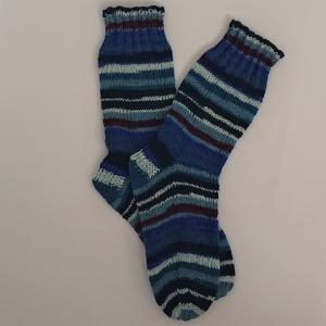 Gestrickte Socken in blau , Gr. 36/37, Wollsocken, Kuschelsocken, handgestrickt, la piccola Antonella  - Handarbeit kaufen