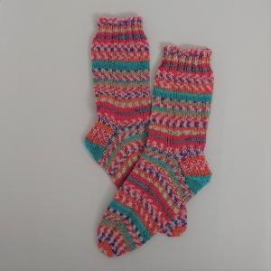 Gestrickte Socken in rosa türkis , Gr. 36/37, Wollsocken, Kuschelsocken, handgestrickt, la piccola Antonella  - Handarbeit kaufen