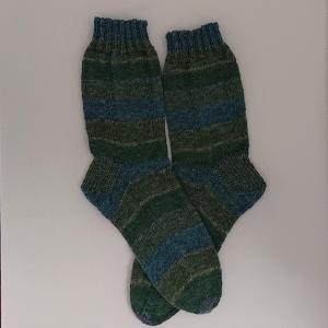 Gestrickte Socken für den Mann in blau grün, Gr. 42/43, Wollsocken, Kuschelsocken, handgestrickt, la piccola Antonella