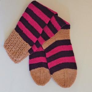 Gestrickte Socken mit Blockstreifen und langem Schaft, Gr. 38/39, Wollsocken, Kuschelsocken, handgestrickt von la piccola Antonella  - Handarbeit kaufen