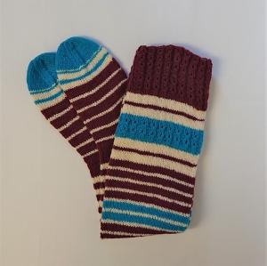 Gestrickte Socken, Kniestrümpfe mit Zopfmuster und Streifen, Gr. 38/39, Wollsocken, Kuschelsocken, handgestrickt von la piccola Antonella   - Handarbeit kaufen