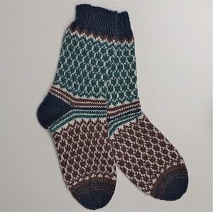 Gestrickte dickere Fairisle Socken, Gr. 42/43 aus 6 fädiger Sockenwolle, Wollsocken, Kuschelsocken, handgestrickt von la piccola Antonella