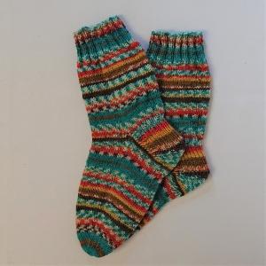 Gestrickte Socken für Kinder, Gr. 34/35 in türkis gelb braun, Wollsocken, Kuschelsocken, handgestrickt, la piccola Antonella   - Handarbeit kaufen