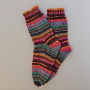 Gestrickte Socken für Kinder, Gr. 34/35 in bunt, Wollsocken, Kuschelsocken, handgestrickt, la piccola Antonella  - Handarbeit kaufen