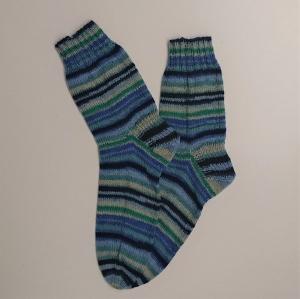 Gestrickte Socken in blau grau grün für den Mann, Gr. 44/45 , Wollsocken, Kuschelsocken, handgestrickt, la piccola Antonella
