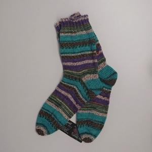 Gestrickte Socken in türkis lila beige für den Mann, Gr. 44/45 , Wollsocken, Kuschelsocken, handgestrickt, la piccola Antonella  - Handarbeit kaufen
