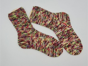 Gestrickte kunter bunte Socken hand-dyed, Gr. 38/39, Stricksocken, Kuschelsocken, handgestrickt von  la piccola Antonella