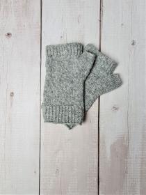 Gestrickte Arm Stulpen mit Daumen in grau, Fingerlose Handschuhe, Pulswärmer, Gr. M, handgestrickt von la piccola Antonella - Handarbeit kaufen