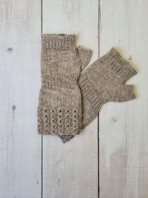 Gestrickte Arm Stulpen mit Daumen in beige, Fingerlose Handschuhe, Pulswärmer, Gr. L, handgestrickt von la piccola Antonella  - Handarbeit kaufen