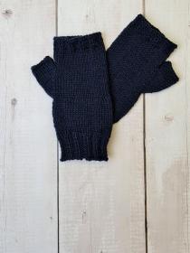 Gestrickte Arm Stulpen mit Daumen in marine blau, Fingerlose Handschuhe, Pulswärmer, Gr. M, handgestrickt von la piccola Antonella - Handarbeit kaufen
