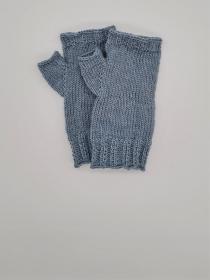 Gestrickte Arm Stulpen mit Daumen in grau blau, Fingerlose Handschuhe, Pulswärmer, Gr. M, handgestrickt von la piccola Antonella   - Handarbeit kaufen