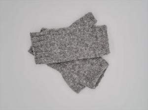 Gestrickte Arm Stulpen mit Daumen in hellgrau, Fingerlose Handschuhe, Pulswärmer, Gr. M, handgestrickt von la piccola Antonella   - Handarbeit kaufen
