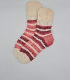 Gestrickte Socken in rosa weiß, Gr. 38/39, Stricksocken, Kuschelsocken, handgestrickt von  la piccola Antonella
