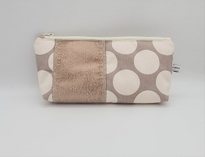 Kosmetiktasche mit Punkten, Schminktäschchen, Tasche für Allerlei Kram, Stifte etc.  Handmade by la piccola Antonella - Handarbeit kaufen