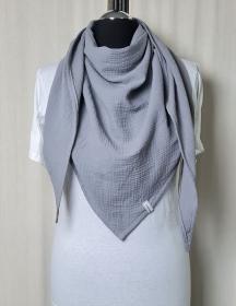 Dreieckstuch aus Musselinstoff, Musselintuch in grau, leichter Schal, handmade von la piccola Antonella  - Handarbeit kaufen