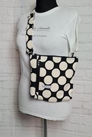 Bauchtasche Dots in schwarz, tragbar auch als Crossbag, Umhängetasche, handmade by la piccola Antonella - Handarbeit kaufen