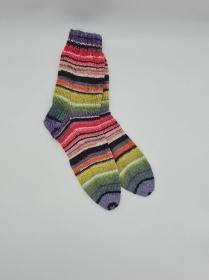 Gestrickte Socken in grün rosa lila grau, Gr. 42/43, Wollsocken, Kuschelsocken, handgestrickt, la piccola Antonella  - Handarbeit kaufen