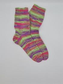 Gestrickte bunte Socken, Gr. 38/39, Stricksocken, Kuschelsocken, handgestrickt, la piccola Antonella - Handarbeit kaufen