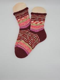 Gestrickte bunte Socken mit Rollrand, Gr. 40/41, Stricksocken, Kuschelsocken, handgestrickt von  la piccola Antonella   - Handarbeit kaufen