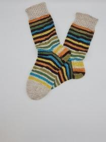 Gestrickte dickere bunte Socken, Gr. 40/41, Stricksocken, Kuschelsocken aus 6 fach Sockenwolle, handgestrickt von  la piccola Antonella   - Handarbeit kaufen