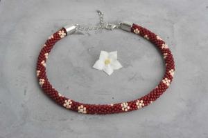 handgefertigte Perlenkette für Kinder * rot mit Blumen in apricot und weiß