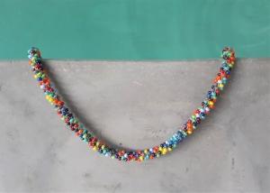 kunterbunte kurze Halskette aus glänzenden Rocailles-Perlen gehäkelt * fröhlicher Hingucker