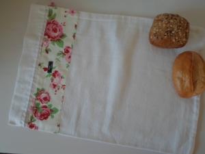 Brotbeutel *Romantico* Baumwolle weiß von friess-design mit Kordel - Handarbeit kaufen
