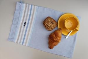 Brotbeutel *de luxe* Leinen hellblau/ striscio blu von friess-design mit Kordel