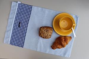Brotbeutel  *de luxe* Leinen hellblau/kariert von friess-design mit Kordel - Handarbeit kaufen