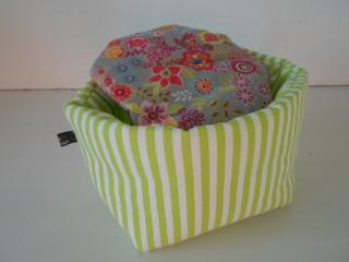 Eierkörbchen/ Eierwärmer *Erba* grün mit Deckel nach Wahl