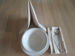 Stoffservietten Baumwolle Karo beige/weiß, 2er-Set von friess-design  - Handarbeit kaufen