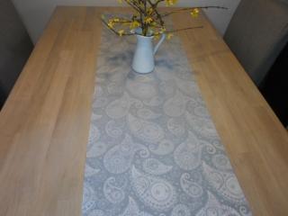 Tischläufer *Reggia* 140x40 cm Jacquard Paisley von friess-design  - Handarbeit kaufen