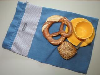 Brotbeutel *de luxe* Leinen blau/ *sottile* grau geblümt von friess-design mit Baumwollkordel  - Handarbeit kaufen