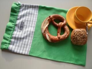 Brotbeutel *de luxe* Leinen grün/ grau-weiß kariert von friess-design mit Baumwollkordel  - Handarbeit kaufen