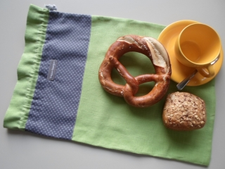Brotbeutel *de luxe*Leinen grün/ grau mit weißen Pünktchen von friess-design mit Baumwollkordel  - Handarbeit kaufen