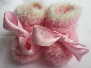 Puppenschühchen handgestrickt in rosa für Puppenfüsse von 5 bis 7 cm - Handarbeit kaufen