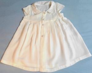 Babykleid in Größe 68 - 74, Festkleid für den Sommer in weiß, für Mädchen - Handarbeit kaufen
