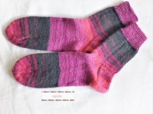 Wollsocken in Größe 34/35 handgestrickt pink grau geringelt  für Mädchen und Jungen - Handarbeit kaufen