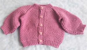 Babystrickjacke in Größe  62 - 68 handgestrickt aus Baumwolle für Mädchen und Jungen - Handarbeit kaufen