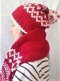 Wollmütze mit Bommel und Schal handgestrickt in rot mit weißem Muster in Größe L für Männer und Frauen - Handarbeit kaufen