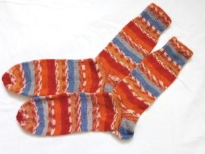 Wollsocken in Größe 40/41 handgestrickt braun blau grau bunt geringelt  für Frauen und Männer - Handarbeit kaufen