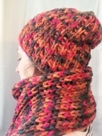 Wollmütze mit Schal handgestrickt in braun, rot bunt gemustert in  Größe M für Frauen und Männer - Handarbeit kaufen