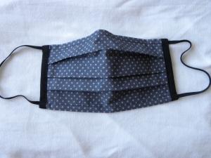 Stoffmaske, Mund-Nasen-Schutz mit Falten, für Männer Größe M, dunkelgrau/Punkte hellgrau