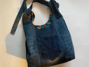 Umhänge-Jeanstasche Upcycling mit verstellbarem Tragegurt - Handarbeit kaufen