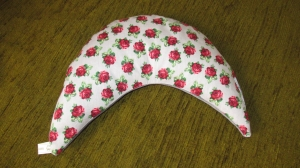 Nackenkissen Rosen Nackenhörnchen Geschenk ( auch mit gesticktem Schriftzug erhältlich) - Handarbeit kaufen