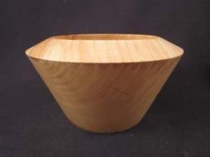 Gedrechselte Holzschale aus Esche mit schöner Maserung - Handarbeit kaufen